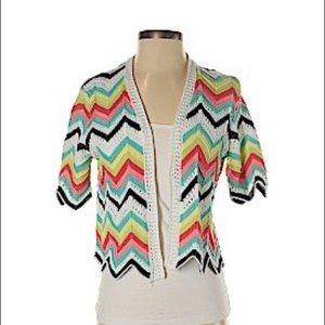 Cropped cardigan size s rainbows pattern